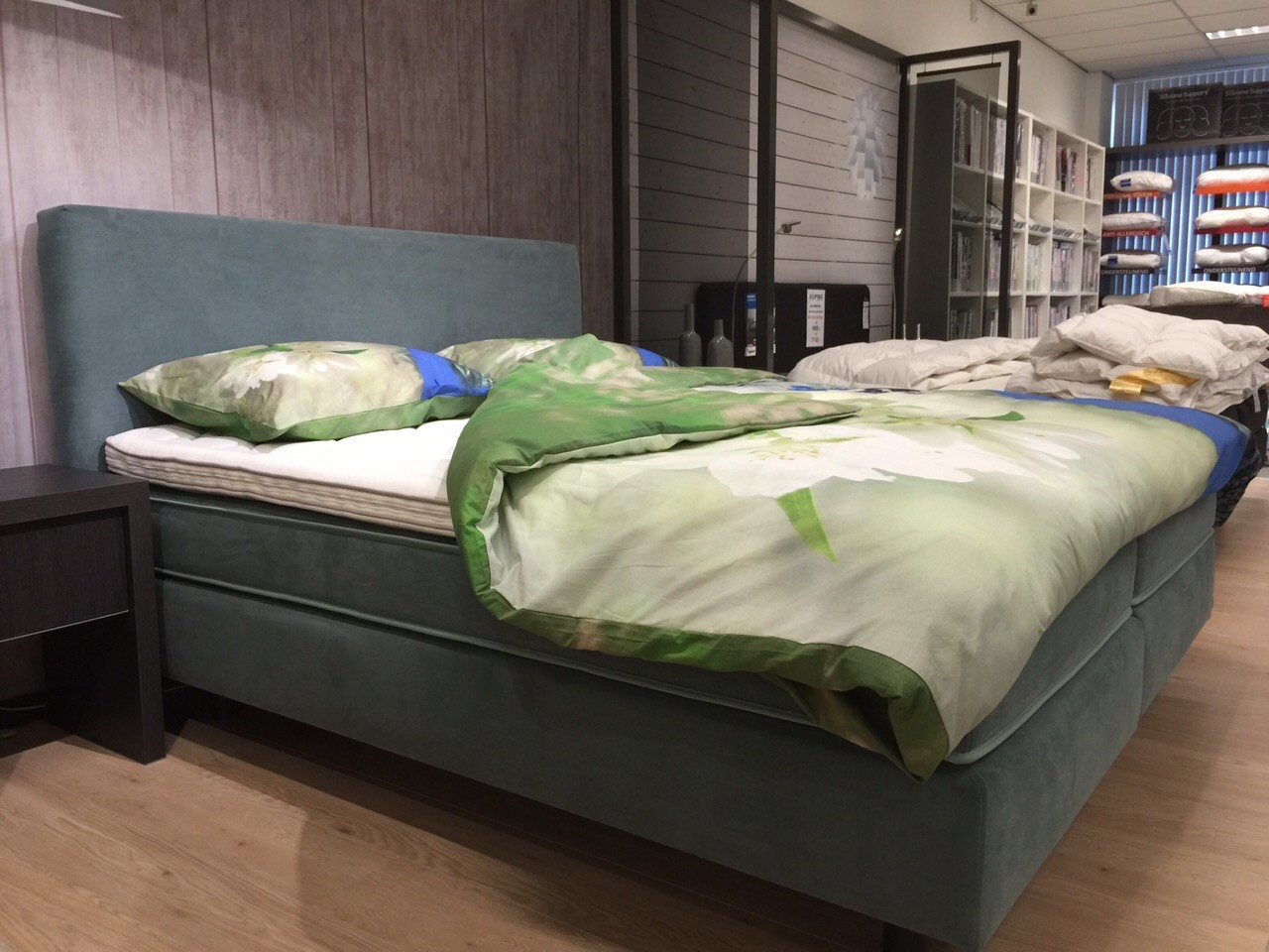Auping bedden auping boxsprings gratis thuisbezorgd regio den haag haags beddenbedrijf - Groen hoofdbord ...